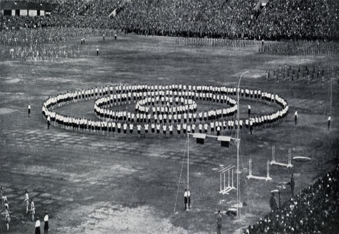 1926 Slet: Junior girls performing calisthenics
